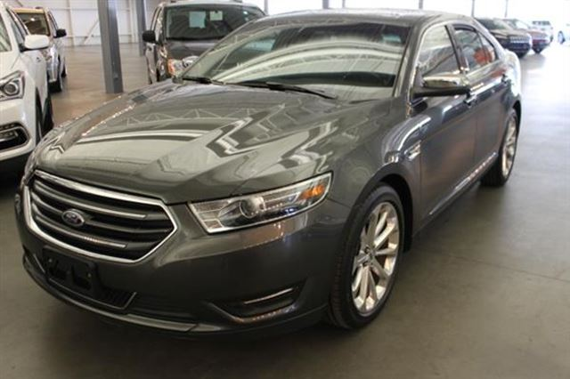 2017 Ford Taurus LIMITED CUIR TOIT NAV 4RM in Mascouche, Quebec