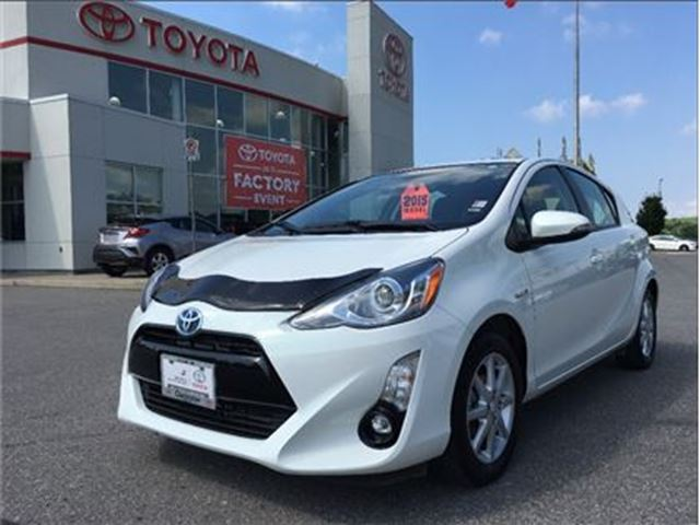 2015 Toyota Prius Technology in Bowmanville, Ontario