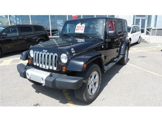 2013 JEEP Wrangler Unlimited SAHARA 2 TOITS in Trois-Rivieres, Quebec