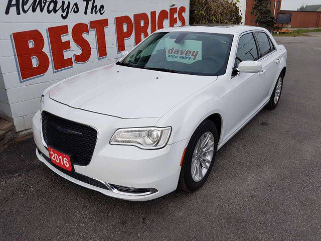 2016 CHRYSLER 300 Touring BACK UP CAMERA, POWER SUNROOF, REMOTE STARTER, in Oshawa, Ontario