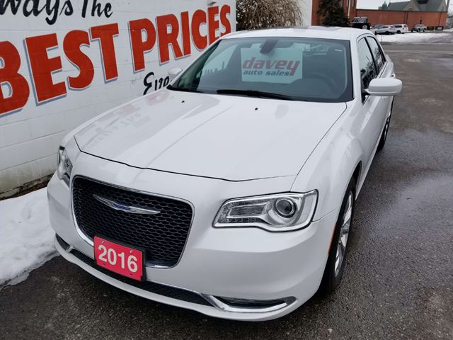 2016 CHRYSLER 300 Touring ALL WHEEL DRIVE, SUNROOF, NAVIGATION in Oshawa, Ontario