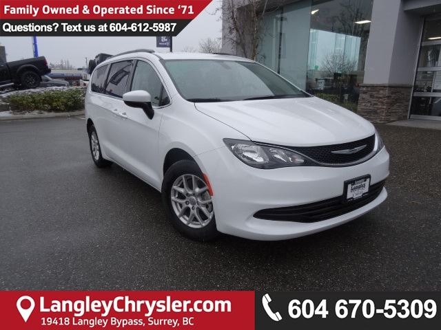 2017 CHRYSLER PACIFICA LX <b>*ACCIDENT FREE*5.0 TOUCHSCREEN*</B> in Surrey, British Columbia
