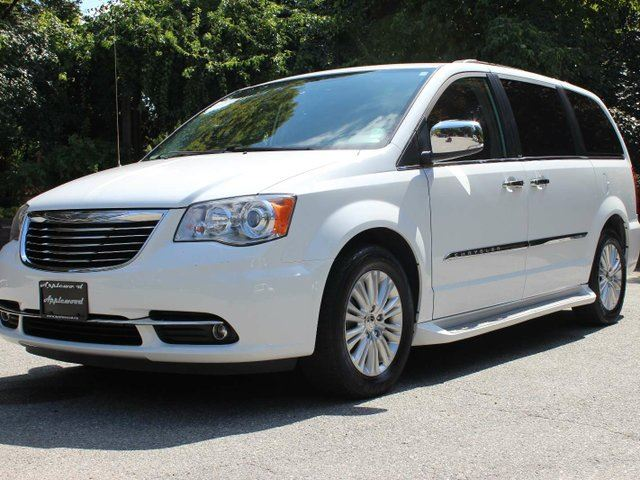 2013 CHRYSLER TOWN AND COUNTRY Limited in Langley, British Columbia