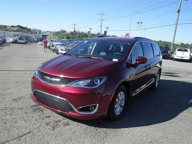 2017 CHRYSLER PACIFICA Touring-L in Calgary, Alberta