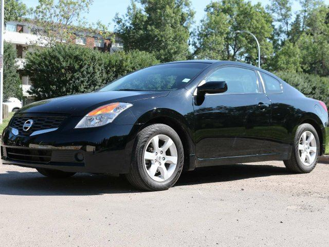 2008 NISSAN Altima BLACK ON BLACK LOADED LOW KM in Edmonton, Alberta