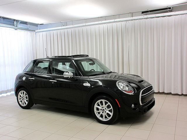 2015 MINI COOPER 5 DOOR 2.0L TURBO w/ DUAL MOONROOF & HEATED SEA in Halifax, Nova Scotia