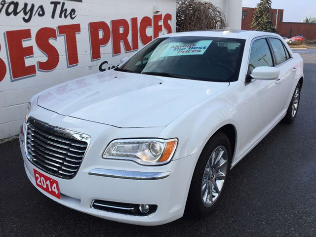 2014 CHRYSLER 300 Touring POWER SUNROOF, BACK UP CAMERA, REMOTE STARTER in Oshawa, Ontario