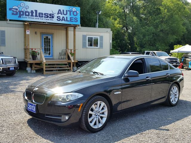 2013 BMW 5 SERIES 528i xDrive in Whitby, Ontario