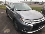 2017 Mitsubishi Outlander ES Premium 4x4, Leather, 7 Passenger, Sunroof in Thunder Bay, Ontario