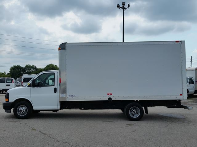 2017 GMC SAVANA 3500 16ft multivan frp body in London, Ontario