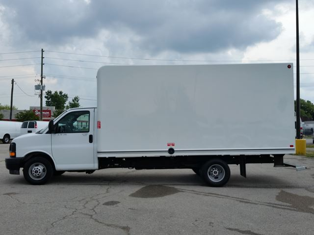 2017 GMC SAVANA 3500 16ft unicell body in London, Ontario