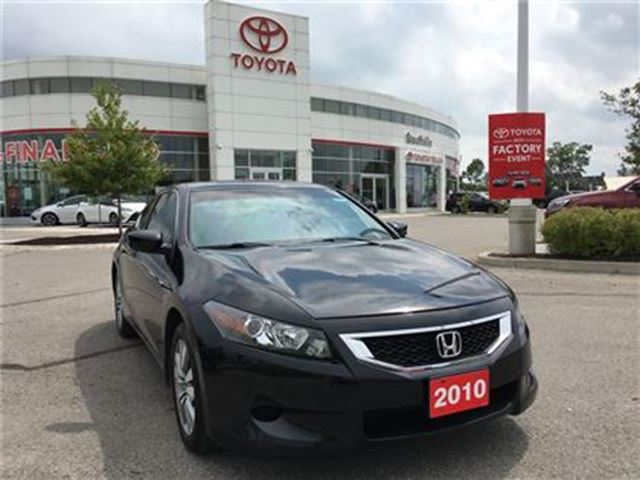 2010 Honda Accord EX-L - Sporty 2-Door, Leather & Moonroof! in Stouffville, Ontario