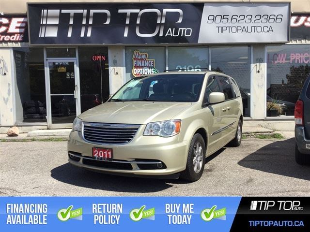2011 CHRYSLER TOWN AND COUNTRY Touring ** Nav, Dual DVD, Sunroof ** in Bowmanville, Ontario
