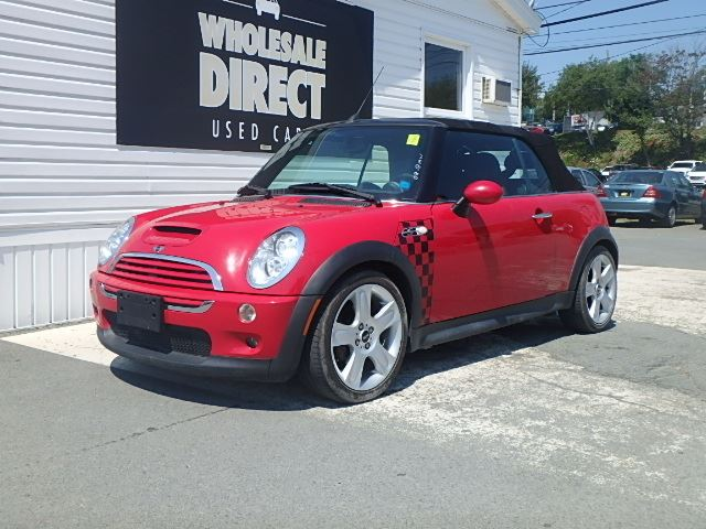 2006 MINI COOPER CONVERTIBLE 6 SPEED 1.6 L in Halifax, Nova Scotia