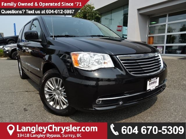 2016 CHRYSLER TOWN AND COUNTRY Touring-L W/DUAL DVD, BLUETOOTH  & NAVIGATION in Surrey, British Columbia