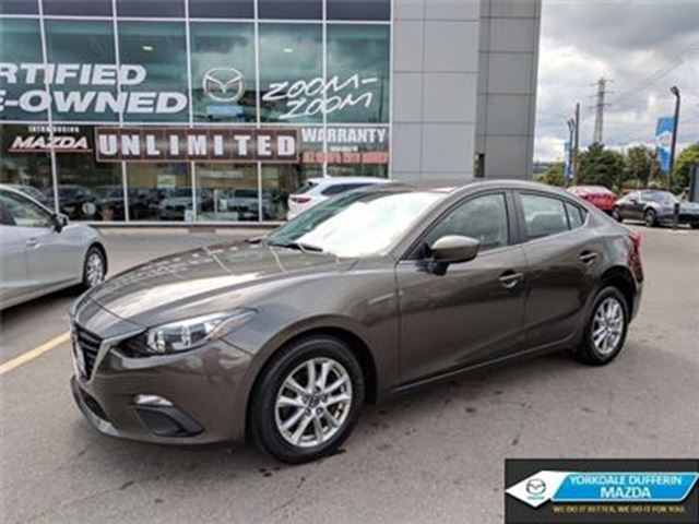 2014 MAZDA MAZDA3 GS-SKY / HEATED SEATS / REAR CAM / 0.65% CPO!!! in Toronto, Ontario