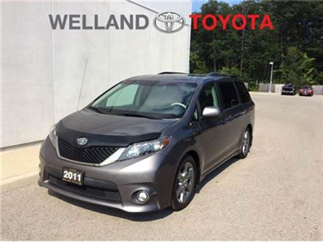 2011 TOYOTA SIENNA SE in Welland, Ontario