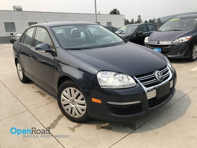 2010 VOLKSWAGEN JETTA  Trendline A/T Local A/C Cruise Control CD Playe in Port Moody, British Columbia