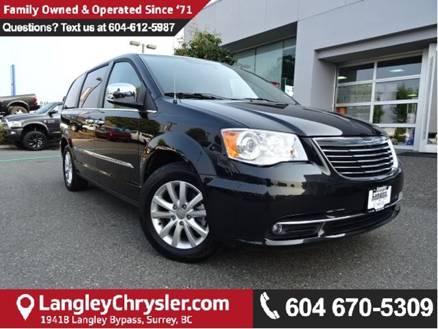 2016 CHRYSLER TOWN AND COUNTRY Limited *ACCIDENT FREE*ONE OWNER* in Surrey, British Columbia