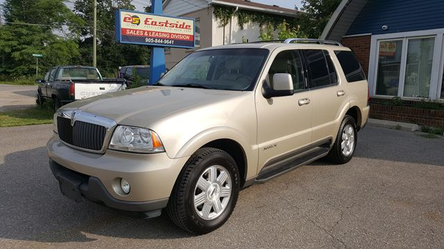 2004 LINCOLN AVIATOR Ultimate in Oakville, Ontario