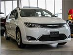 2017 Chrysler Pacifica Limited * Leather* Navigation* Pano Roof in Woodbridge, Ontario