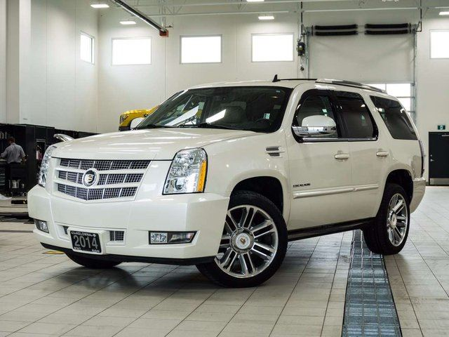2014 CADILLAC ESCALADE Premium AWD in Kelowna, British Columbia