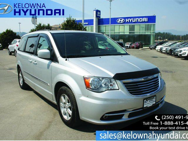 2011 CHRYSLER TOWN AND COUNTRY Touring Front-wheel Drive Passenger Van in Kelowna, British Columbia
