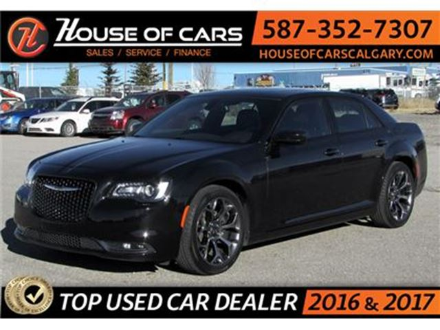 2016 CHRYSLER 300 S  / Leather / Sunroof / Bluetooth in Calgary, Alberta
