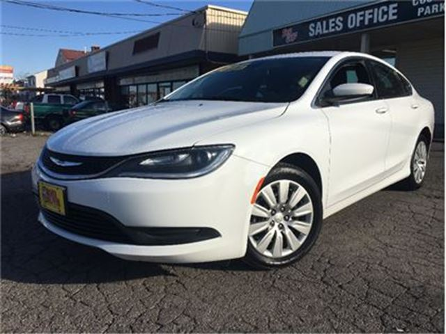 2015 CHRYSLER 200 LX   AUTO   BLUETOOTH   9 SPEED in St Catharines, Ontario
