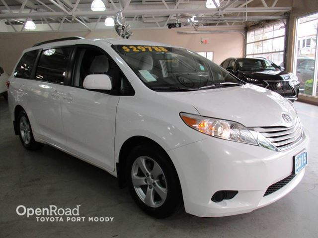 2015 TOYOTA SIENNA LE - Power Sliding Doors, Bluetooth, Backup Cam in Port Moody, British Columbia