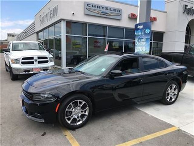 2016 DODGE CHARGER SXT.AWD.. Leather/Roof/Navi in Burlington, Ontario