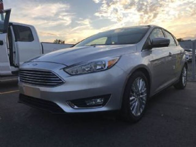 2016 FORD FOCUS Titanium w/NAV, ROOF, WINTER PACKAGE in Mississauga, Ontario