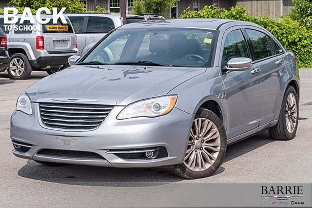 2013 CHRYSLER 200 Limited in Barrie, Ontario