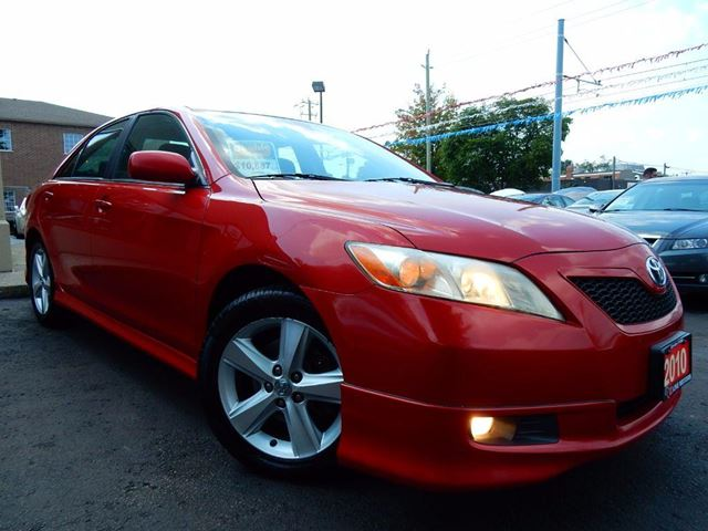 2010 TOYOTA CAMRY SE  FULLY LOADED  SKIRT PKG  LOW KM in Kitchener, Ontario