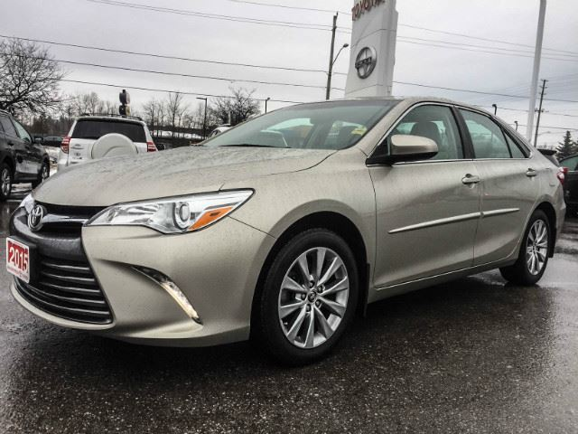 2015 TOYOTA CAMRY   XLE+XTRA  WARRANTY-160,000 KMS! in Cobourg, Ontario