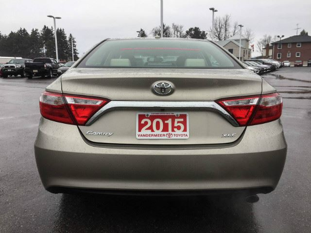 2015 toyota camry xtra warranty 160 000 kms cobourg ontario car for sale 2855742. Black Bedroom Furniture Sets. Home Design Ideas