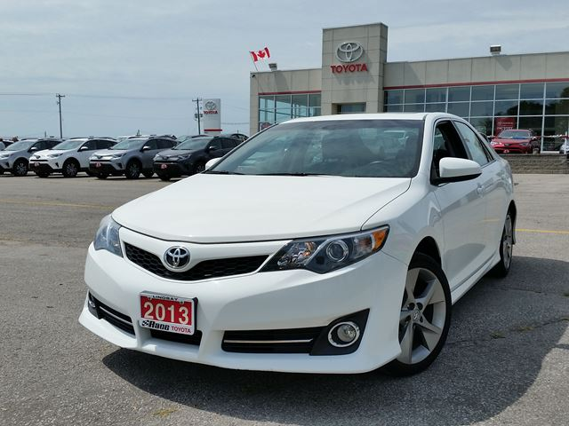 2013 TOYOTA CAMRY SE in Lindsay, Ontario