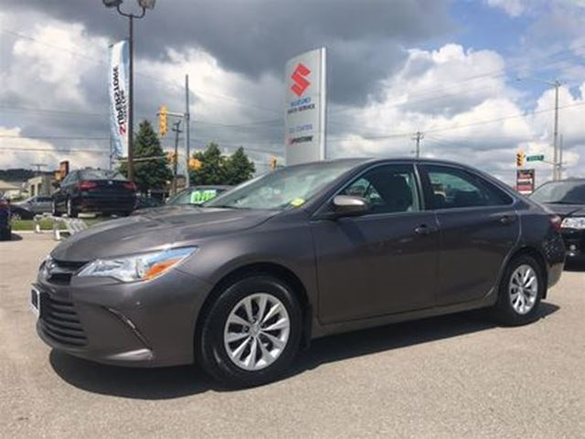 2015 TOYOTA CAMRY LE ~RearView Camera ~Tight Unit ~Solid  Reputation in Barrie, Ontario