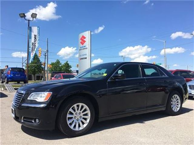 2014 CHRYSLER 300 Touring ~8-Speed ~8.4 Touchscreen ~5 Star Rating in Barrie, Ontario