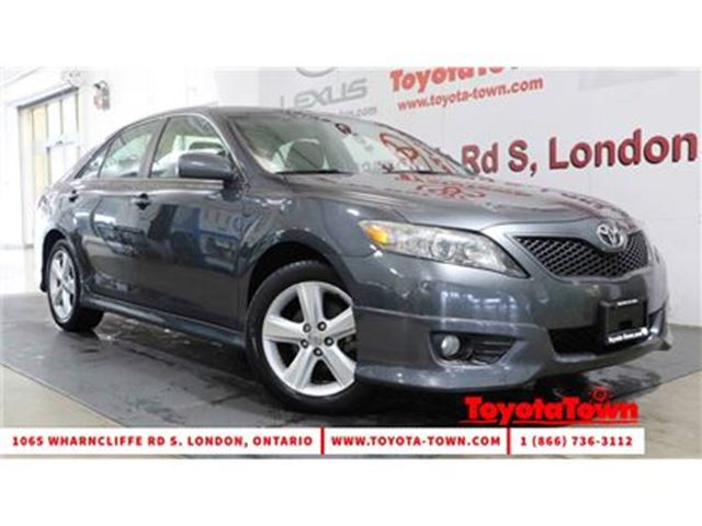 2011 TOYOTA CAMRY LOW MILEAGE SINGLE OWNER SE in London, Ontario