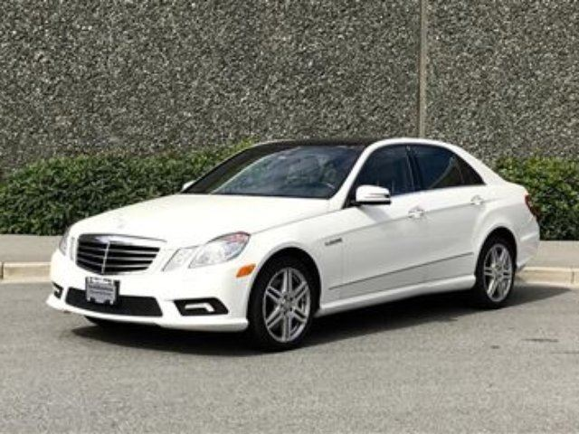 2010 MERCEDES-BENZ E-CLASS 4matic Sedan *Excellent Condition* in North Vancouver, British Columbia