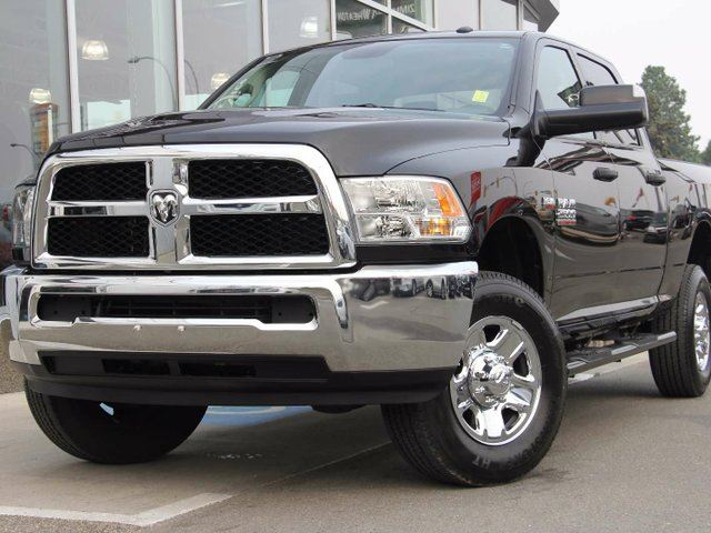 2016 DODGE RAM 2500 ST 4x4 Crew Cab 6.3 ft. box 149 in. WB in Kamloops, British Columbia