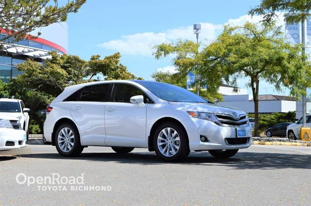 2016 TOYOTA VENZA XLE with leather seats, GPS navigation, rear po in Richmond, British Columbia