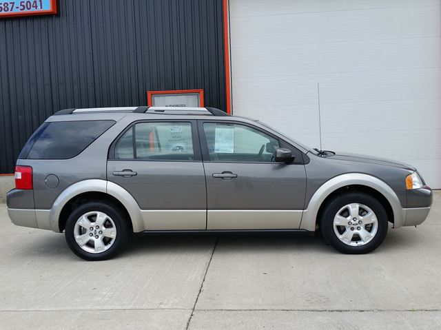 2005 FORD FREESTYLE SEL in Jarvis, Ontario