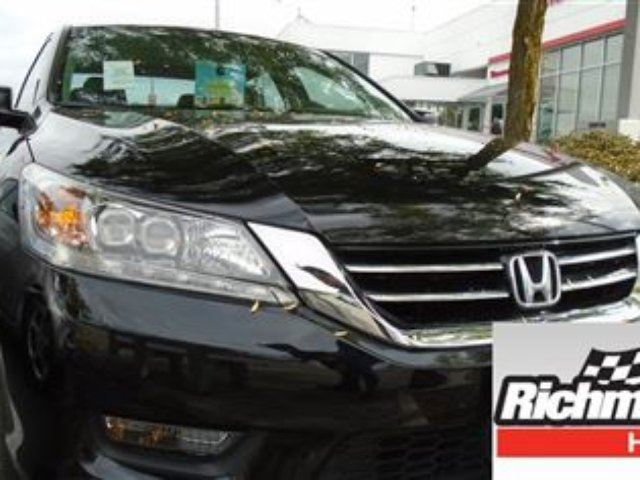 2015 HONDA Accord Touring V6! Honda Certified Extended Warranty to 1 in Richmond, British Columbia