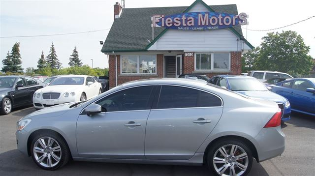 2013 VOLVO S60 Leather Roof Baack Up camera Blind spot in Woodbridge, Ontario