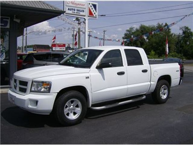 2011 DODGE DAKOTA CREW CAB 4X4  PURCHASE AS LOW $100 DOWN !! in Welland, Ontario
