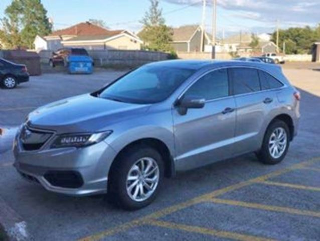 2017 ACURA RDX TECH AWD w/ Excess Wear Protection in Mississauga, Ontario