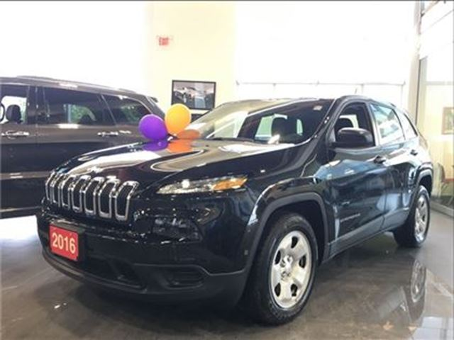 2016 JEEP Cherokee SPORT  1 OWNER   U CONNECT HANDS FREE in Toronto, Ontario