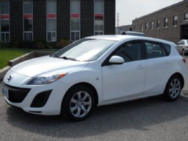 2010 MAZDA MAZDA3 w/5 Speed Manual Transmission in Mississauga, Ontario